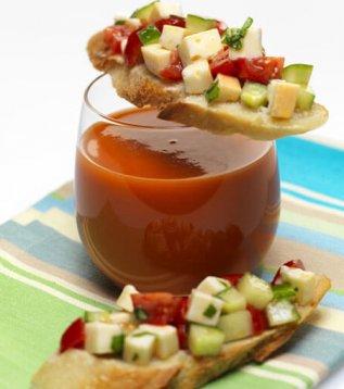 Bruschetta de Reblochon et gaspacho